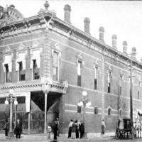 Photograph of Irwin's Bank in Columbus, Indiana
