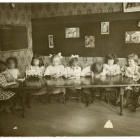 Immigrant kindergarten class in Indianapolis, Indiana in 1914
